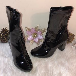 KENNETH COLE ALYSSA PATENT LEATHER BOOT